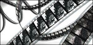 """En 1974, le film d'épouvante """"Les Dents de la mer"""" sort au cinéma. Réalisée par Steven Spielberg d'après le roman éponyme de Peter Benchley, cette adaptation connaît un succès mondial. Ce film a fait l'objet de nombreuses suites. Combien d'entre elles ont-elles vu le jour au cinéma ?"""