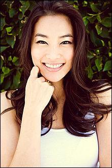 Qui joue Kira Yukimura ?
