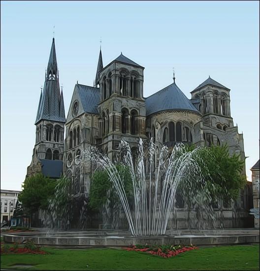 """Les """"Gadz'Arts"""" vous accueillent dans la quatrième ville de Champagne-Ardenne depuis 1806. Dans quelle ville marnaise se trouve aussi l'une des 21 écoles professionnelles de cirque de France ?"""