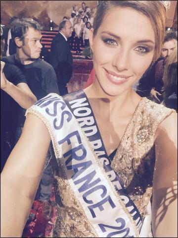 """Camille Cerf mérite le titre de """"Miss France 2015"""". Mais, est-elle une vraie ou une fausse blonde ?"""