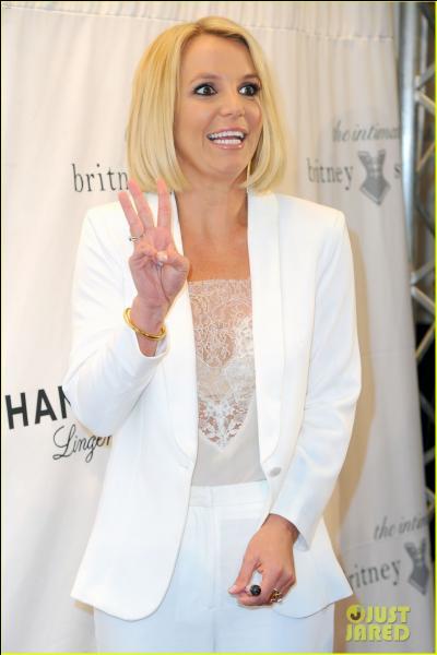 """Oops, I did it again"". Britney Spears est-elle une vraie ou une fausse blonde ?"