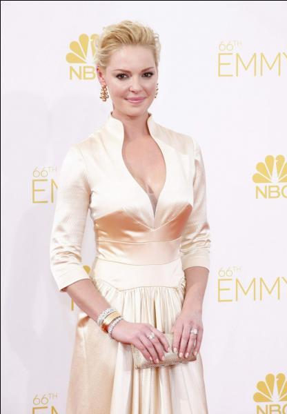 """Katherine Heigl est une ancienne actrice de """"Grey's Anatomy"""". Alors, vous l'avez reconnue ? Vraie ou fausse blonde ?"""