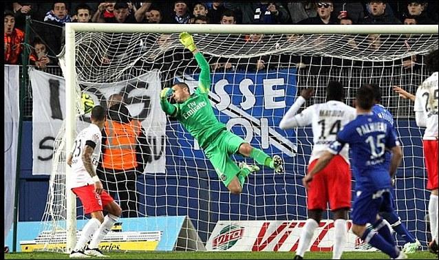 20e journée, Bastia reçoit le grand PSG, à qui il inflige un second revers en trois journées. Quel est le résultat du match ?