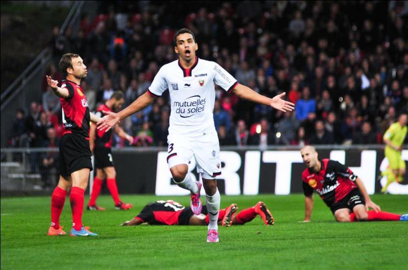 Lors de la 11e journée, l'OM s'incline à Gerland (1-0). Qui marque ? Lors de cette même journée, OGC Nice s'impose à Guingamp (2-7), qui entre dans l'histoire et marque 5 buts lors de ce match ?