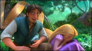 Pourquoi la princesse hésite-t-elle à partir avec Flynn Rider ?