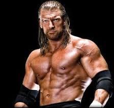 Comment s'appelle le finisher de Triple H ?