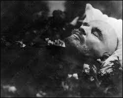 En quelle année Lénine est-il mort ?