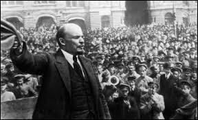 En quelle année la Révolution russe (d'octobre) a-t-elle eu lieu ?