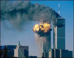 Combien d'avions terroristes sont projetés sur les tours jumelles du World Trace Center lors des attentats du 11 septembre 2011 aux États-Unis ?