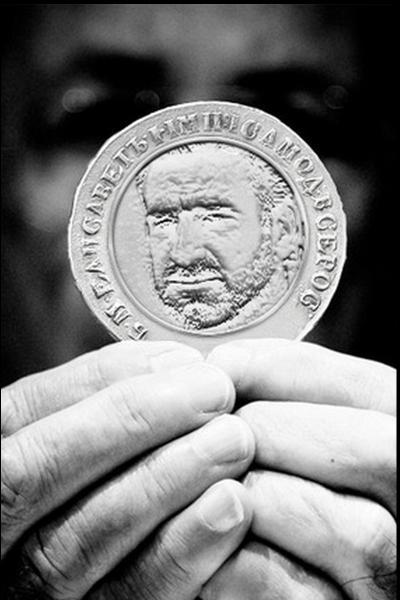 Quel footballeur, né à Marseille, a gagné 4 titres de champion avec Manchester United dans les années 1990 ?