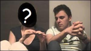 Qui est la petite amie de Siphano ?