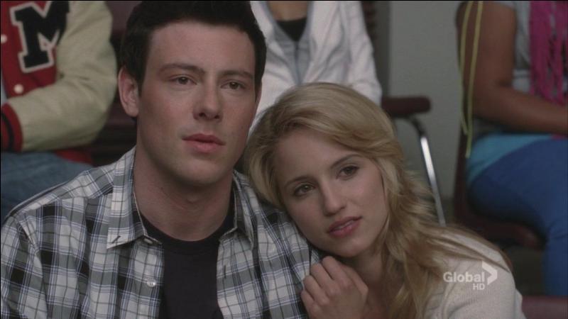 Avec qui Quinn trompe-t-elle Finn ?