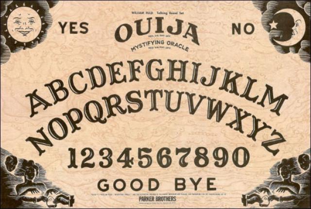Qu'y a-t-il sur une planche de Ouija (et chose conseillée) ?