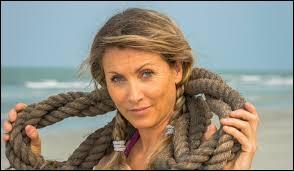 Voici une femme de 45 ans qui vient de Morbihan (56), et s'appelle...