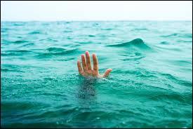 L'eau de mer contient des sels dissous, cela a pour conséquence de lui donner ce goût si particulièrement salé. En faisant exception de la mer Morte, quelle est en moyenne la proportion de sels dissous présents dans un kilo d'eau de mer ?