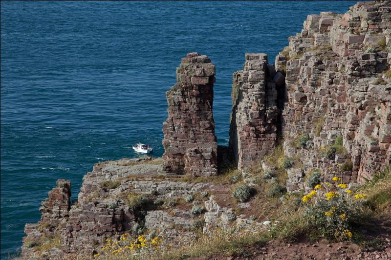Quelle mer voit-on du haut des falaises du cap Fréhel ?