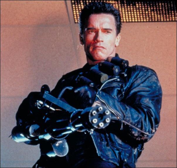 Arnold Schwarzenegger fait-il partie des méchants dans cet opus ?