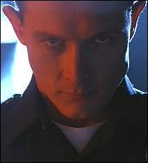 Quel acteur se montre très convaincant dans le rôle du T-1000 ?