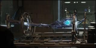 Avec quoi Stark et Banner créent-ils Ultron ?
