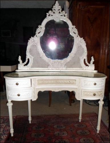 Quizz meubles antiques quiz culture g n rale for Coiffeuse avec miroir ancienne