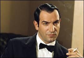 Combien de fois Jean Dujardin a-t-il incarné le personnage de Hubert Bonisseur de la Bath alias OSS 117 ?