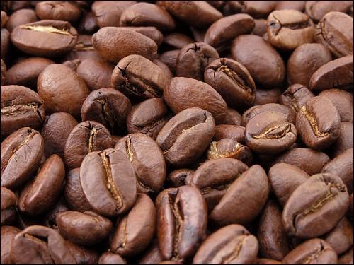 """Dans """"Couleur café"""" quel verbe manque dans cette partie de la chanson : """"L'amour sans ..., c'est comme le café, très vite passé. Mais que veux-tu que j'y fasse"""" ?"""