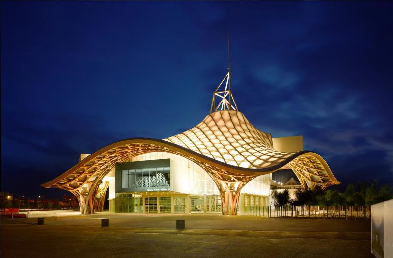 Quelle ville de Moselle a ouvert un Centre Pompidou en 2010 ?