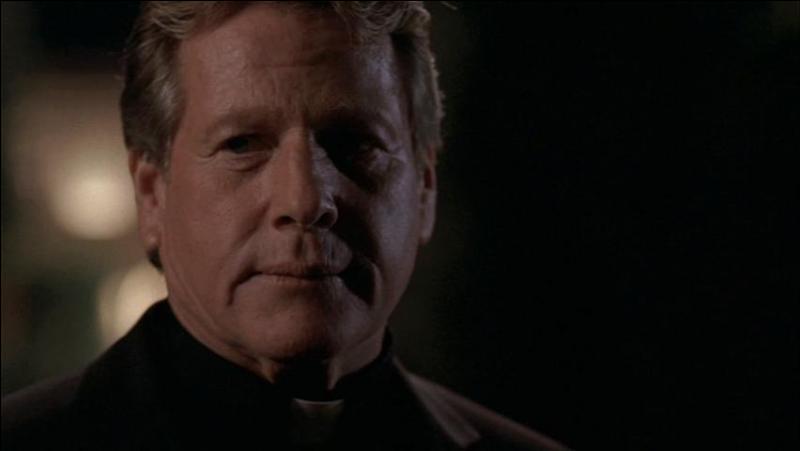 La première fois que Max, rencontre Temperance et Seeley, en quoi est-il déguisé ?