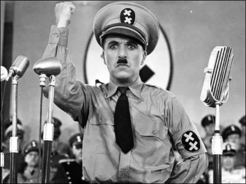"""En France, le film """"Le dictateur"""" attire plus de huit millions de personnes. Qui en est le réalisateur ?"""