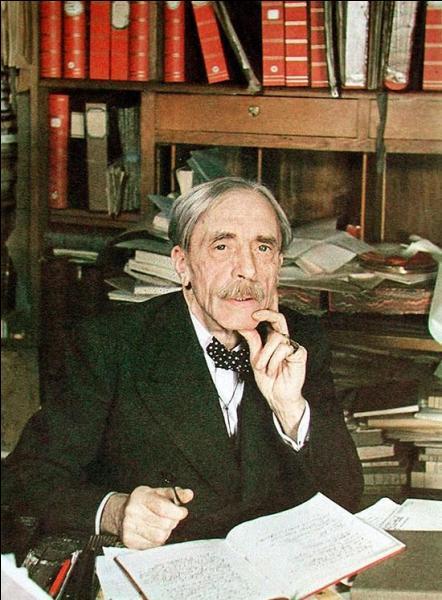 """Le 20 juillet 1945, le poète français, auteur de l'œuvre inachevée """"Mon Faust"""", décède à Paris, à l'âge de 73 ans. Qui est-ce ?"""