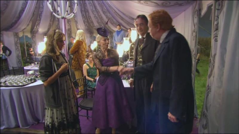 Le mariage de Bill Weasley et de Fleur Delacour s'est déroulé le 1er août 1997 au Terrier alors que la Seconde Guerre des Sorciers faisait déjà des ravages. Quelles étaient les demoiselles d'honneur lors de ce mariage ?