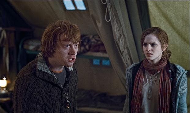Ron Weasley retrouve donc aussi Hermione Granger au matin. Malgré quelques petites disputes, Ron Weasley révèle à ses amis le véritable pouvoir du Déluminateur d'Albus Dumbledore. Quel est-il ?