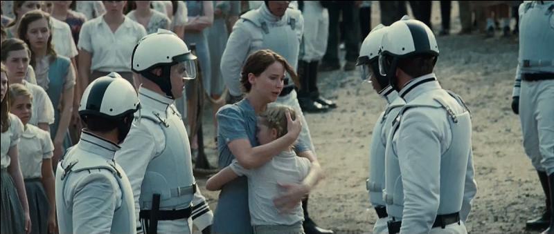 Mais heureusement pour Prim, quelle personne va prendre sa place pour la sauver d'une mort certaine ?