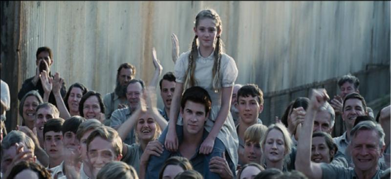 À la fin du premier film, pourquoi Prim est-elle heureuse ?