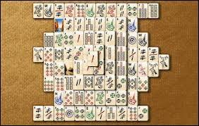 Comment s'appelle ce passe-temps sur ordinateur inspiré d'un jeu asiatique très populaire ?