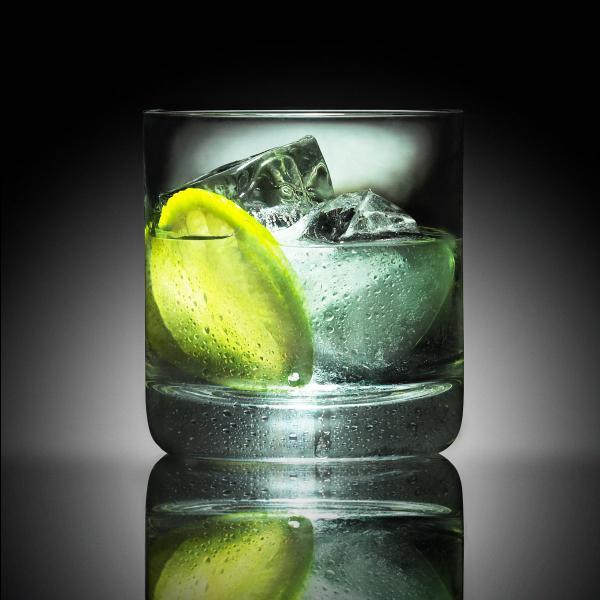Que rajoutez-vous dans le gin pour vous rafraîchir avec un gin tonic ?