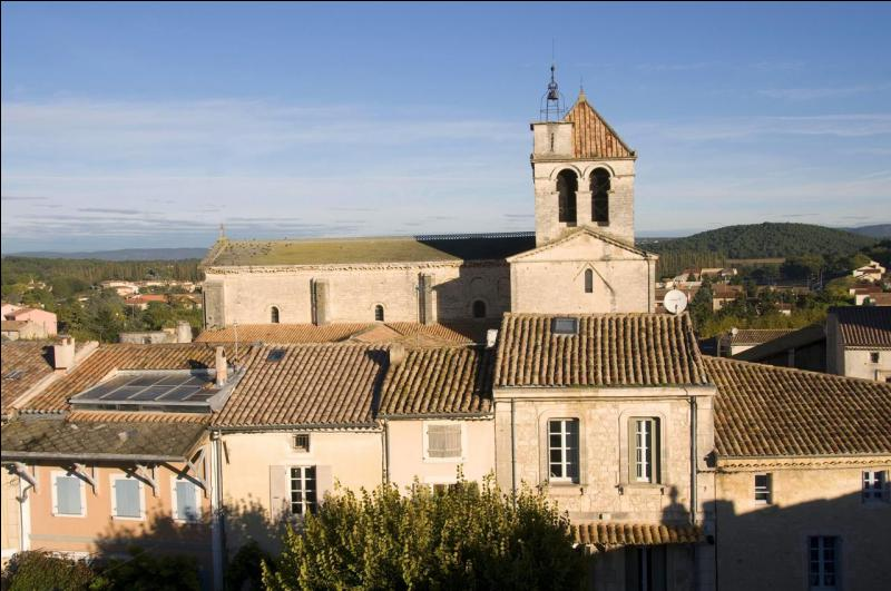 Quizz petites villes fran aises 45 quiz villes departements for Piscine municipale saint paul trois chateaux