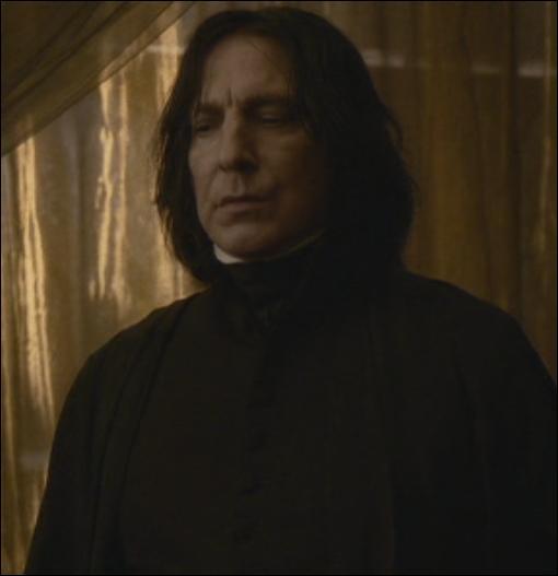 """""""Vous venez de gagner un mois de retenue McLaggen. Pas si vite, Potter ! """"""""Excusez-moi monsieur, il faut absolument que je retourne voir ma copine.""""""""Qui peut sans doute survivre quelques instants de plus à votre absence."""""""