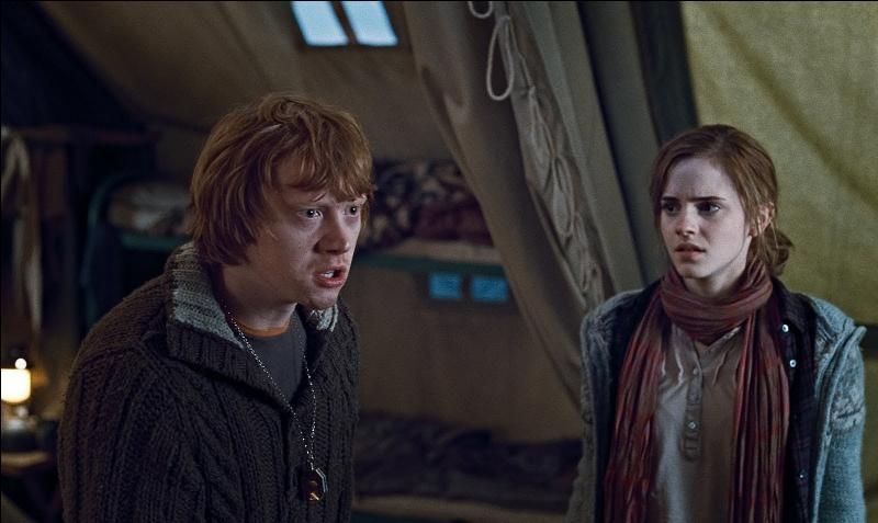 """""""Oui ... Je suis là moi aussi. Mais c'est pas grave. Je veux pas vous déranger.""""""""Si tu as quelque chose à dire, n'hésite pas. Crache le morceau.""""""""D'accord, je vais le cracher mais ne compte plus sur moi ! """"""""Je croyais que tu savais à quoi tu t'attendais en venant."""""""