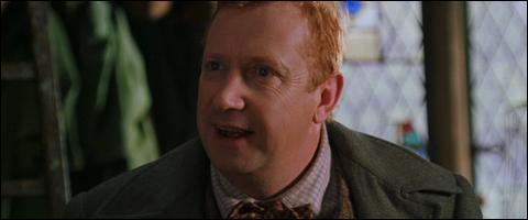 """Molly Weasley : """"Tes fils ont pris la voiture volante pour aller délivrer Harry.""""Arthur Weasley : """"C'est vrai ? Et elle a marché ? Euh je veux dire non les enfants, ce n'est pas bien du tout ! """""""