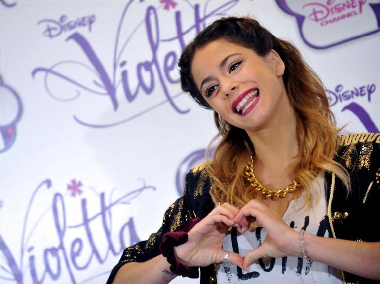 Quel est le nom du couple Violetta - León ?