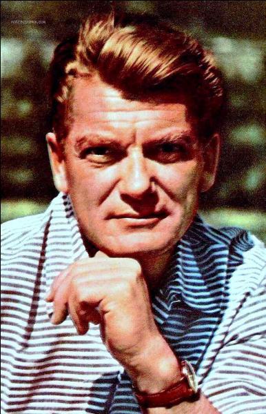 Grand comédien de théâtre et grand acteur de cinéma français.