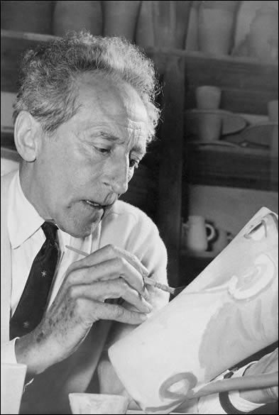 """Académicien multi-facette. poète, dessinateur, dramaturge et cinéaste. A réalisé le film """" La belle et la bête"""" ( en 1946) avec l'acteur de la question N°16, dans le rôle de la bête."""