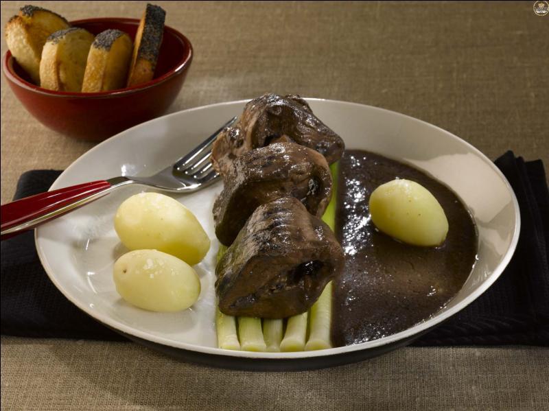 La lamproie aux poireaux est un plat en sauce à base de poisson plat.