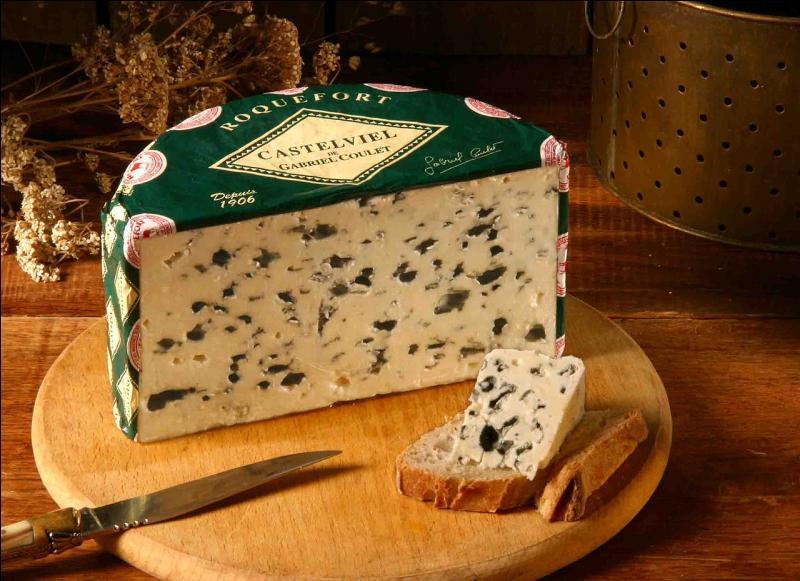 Le roquefort fait partie des fromages à pâte persillée.