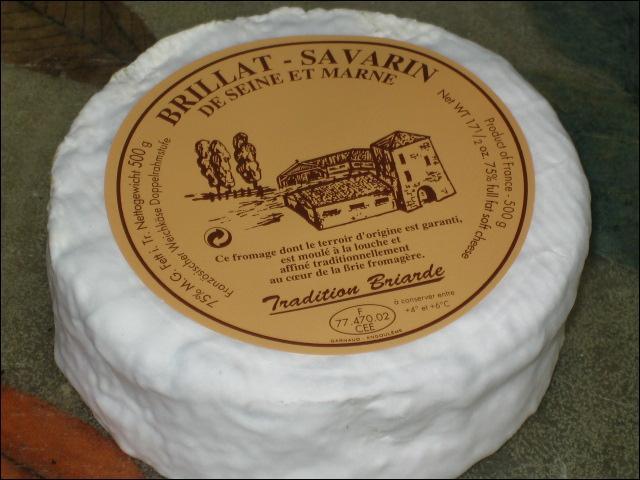 """""""Brillat-Savarin"""" est le nom d'un gâteau, d'un fromage et d'un écrivain belge."""