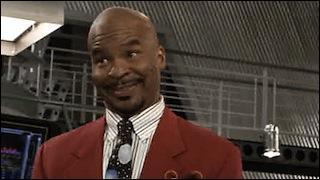 """Il apparaît une seule fois dans la série, dans la saison 6, il est surnommé """"Professeur Je Sais Tout"""". Quel est son vrai nom ?"""
