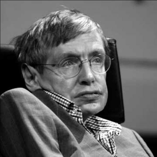 """Passionné par l'astronomie, ce physicien cherche à expliquer ce sujet aux enfants avec sa série de roman """"George"""". Par ailleurs, il souffre d'un grave handicap qui l'oblige à rester dans une chaise roulante. Qui est-ce ?"""