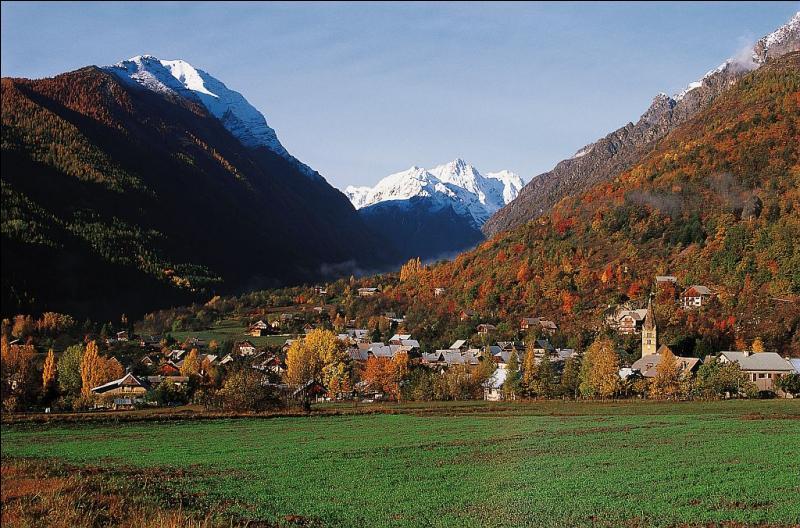 Le massif des Écrins abrite dix grandes vallées.