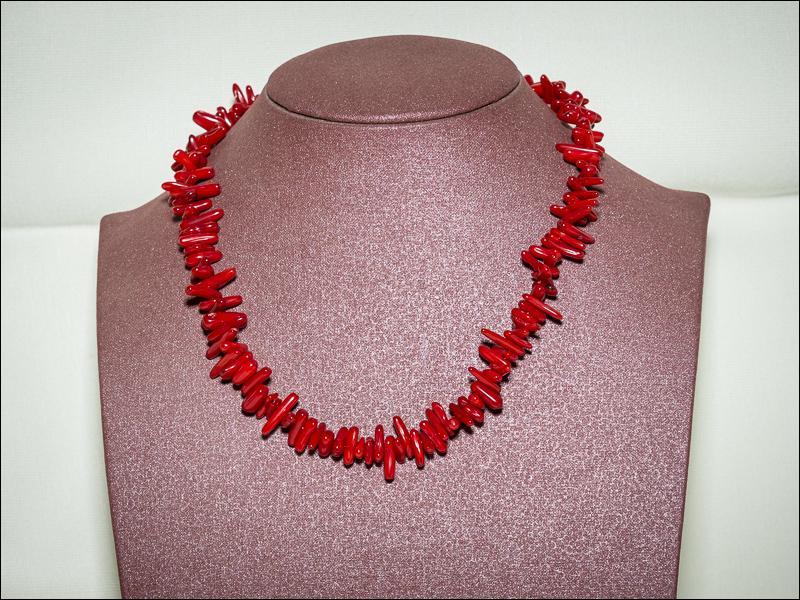 DomdeNantes a un petit cadeau à faire pour un anniversaire, ce collier sera parfait :